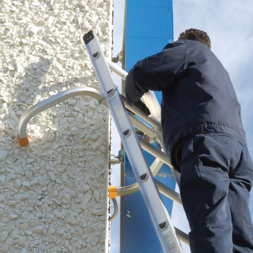 Roof Zone 48586 Corner Ladder Stabilizer